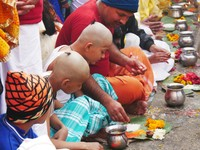 Haridwar_The shaven headed boys and their chotis