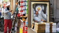 Golden Temple_Pictures of Sikh guru for sale