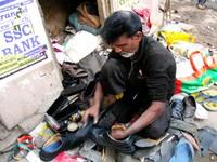 Varanasi_Shining my very grubby shoes