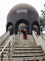 Varanasi_Shiva Temple, shaped like a lingam