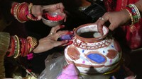 Decorating the pots
