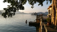 Udaipur_The bathing ghat on the opposite bank to my hotel