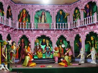 Varanasi_At Tulsi Manas Temple - Another of the scenes with the moving characters
