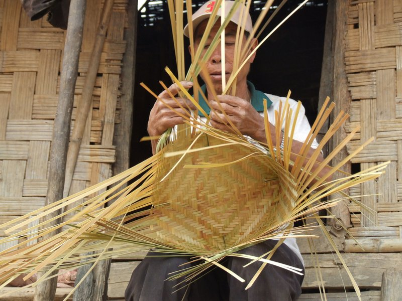 A local weaving straw containers for storing sticky rice