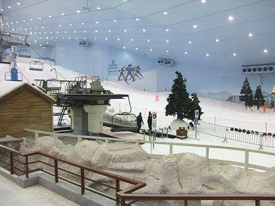 ski_dubai_chairlift_base