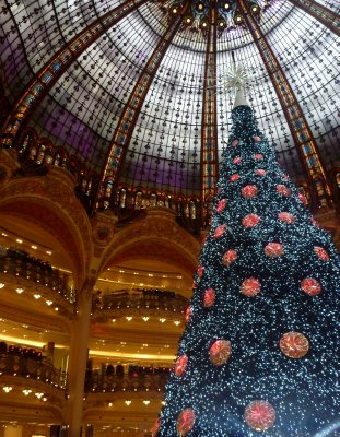 Christmas has arrived at the Galeries Lafayette