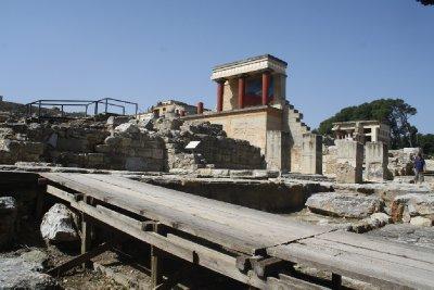 Unamazing Knossos