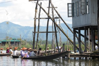 Village life on the water, Inlay Lake