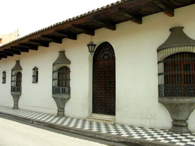 the spanih colonial style