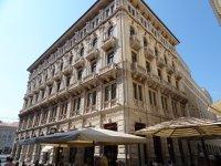 Trieste_-_.._Zgrada.jpg