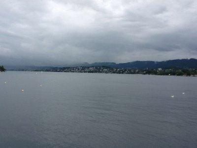 walking around zurich - lake