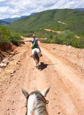 riding in samaipata