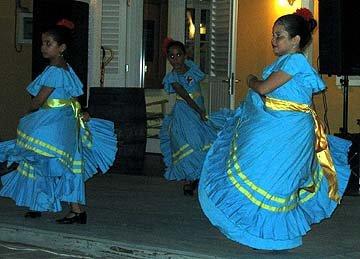 2aruba_dancers.jpg
