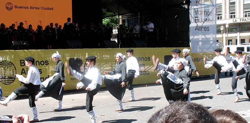 large_Argentina_BAdancers.jpg