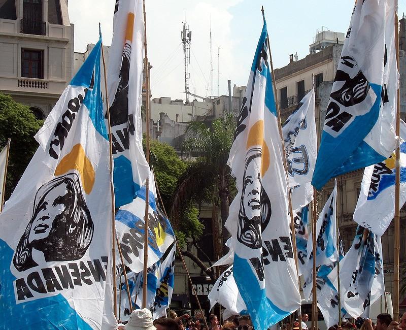large_Argentina_BAprotestBlueWhite.jpg