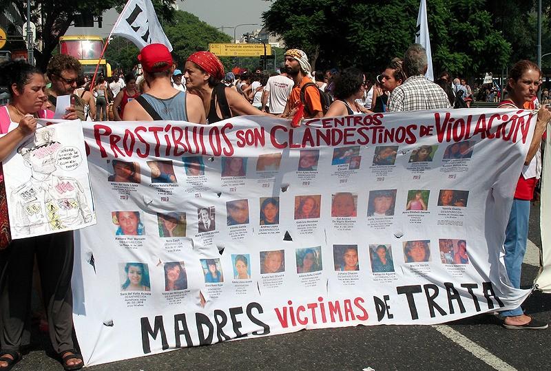 large_Argentina_BAprotestMadresVictimos.jpg