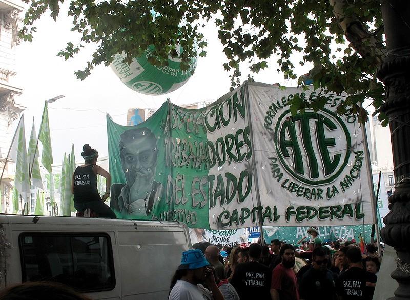 large_Argentina_BAprotestOnTruck.jpg