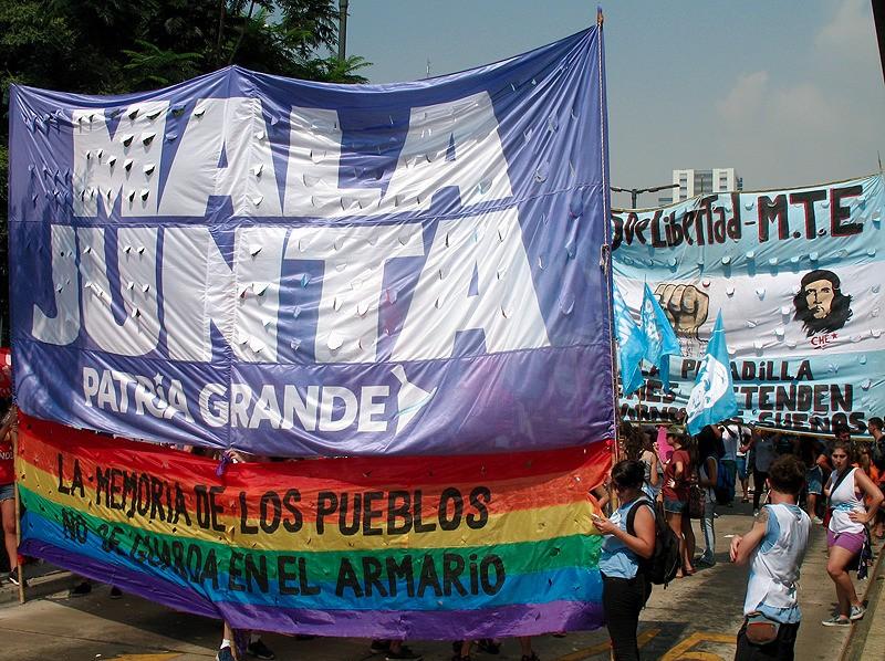 large_Argentina_BAprotestRainbow.jpg