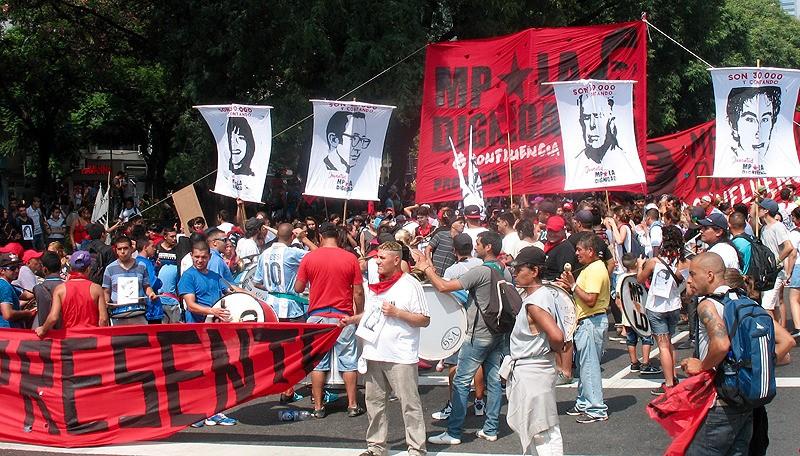 large_Argentina_BAprotestResente.jpg