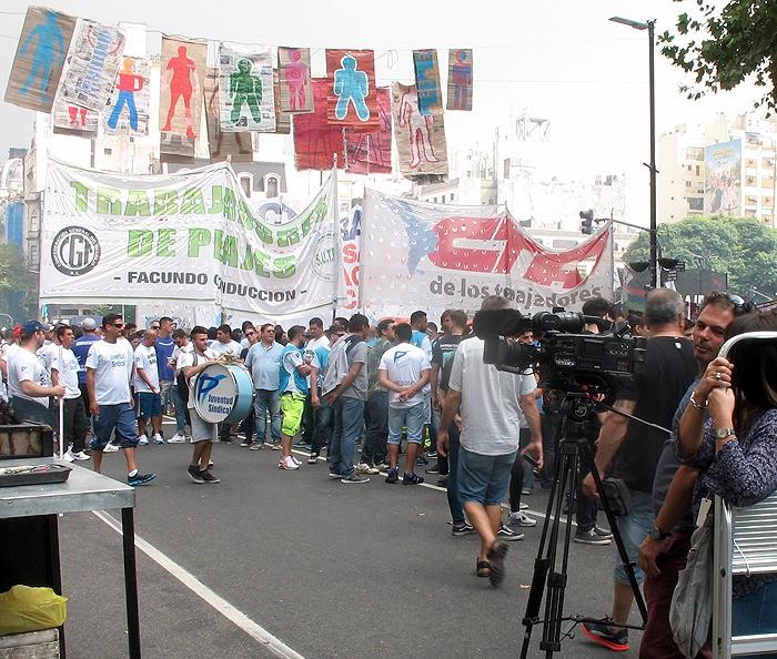large_Argentina_BAprotestTVcamera.jpg