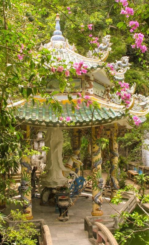large_DaNangPagoda.JPG