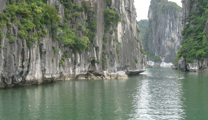 large_HaLongKarst.JPG