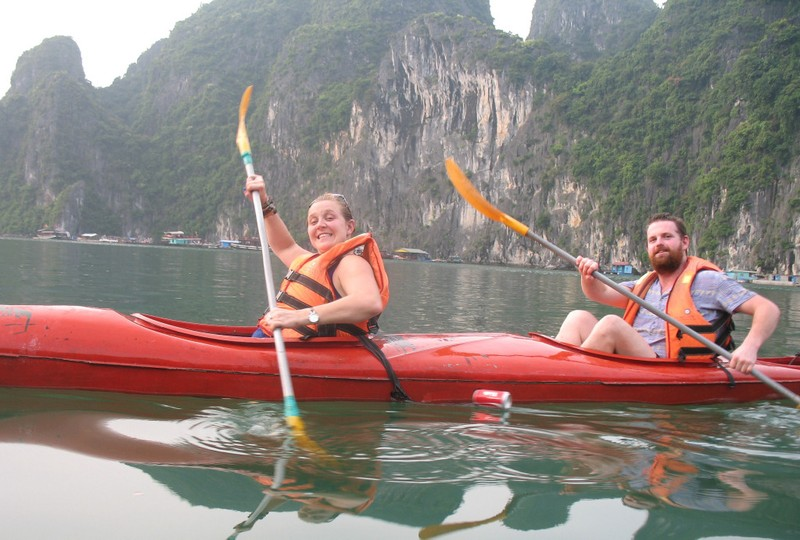 large_HaLongKayaking.JPG