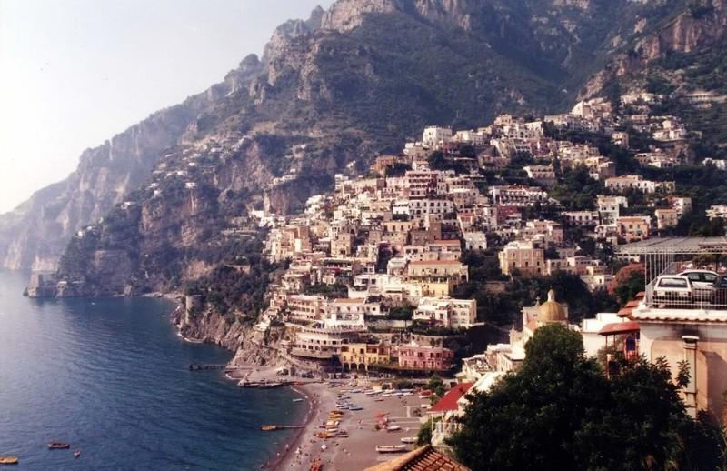 large_Italy02_Amalfi01.JPG