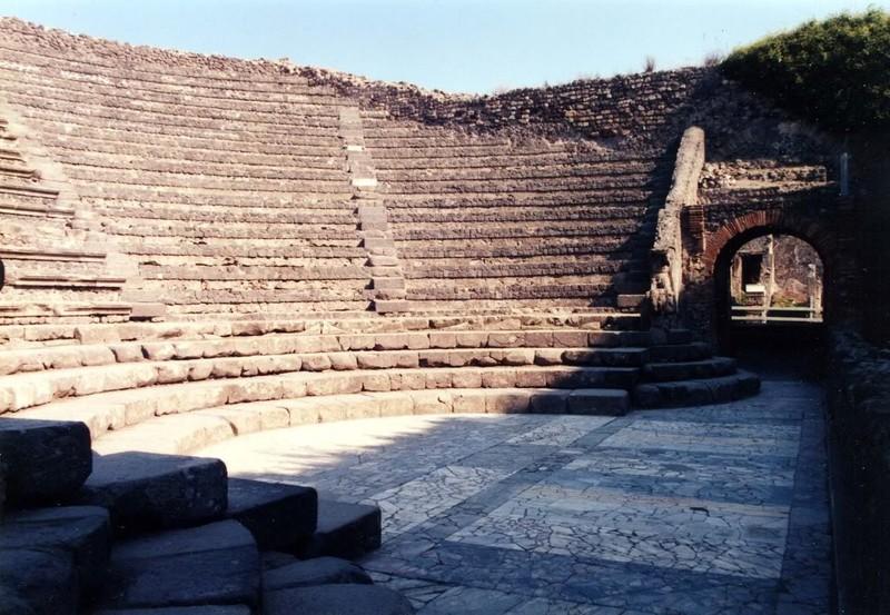large_Italy02_Pompeii02.JPG