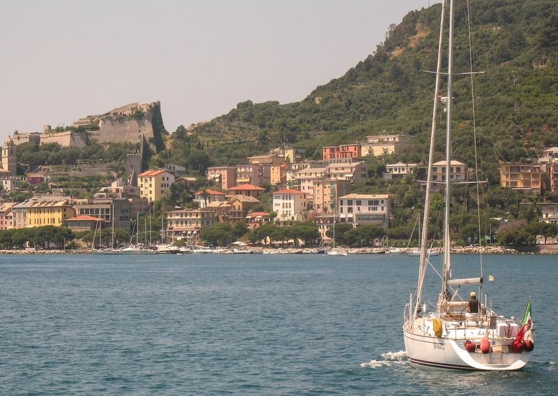 large_ItalyEF_CinqueBoat.JPG
