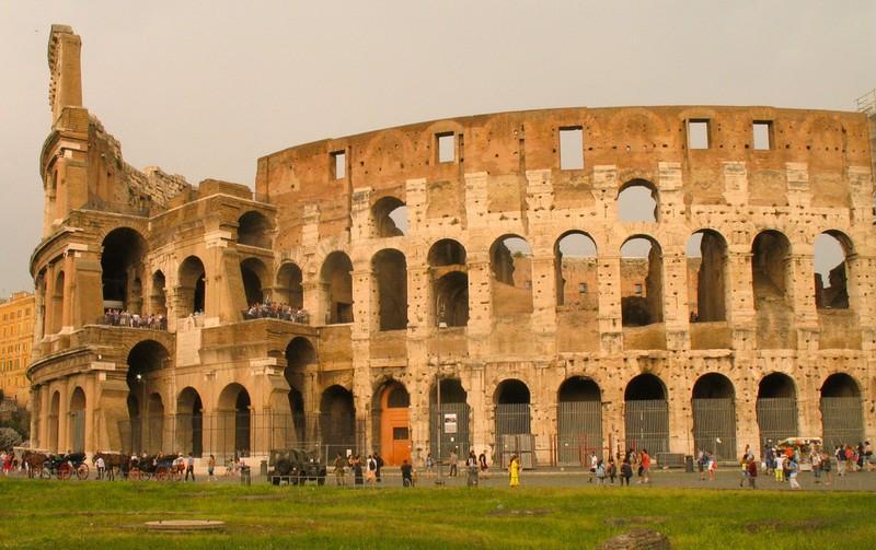 large_ItalyEF_Colosseum.JPG
