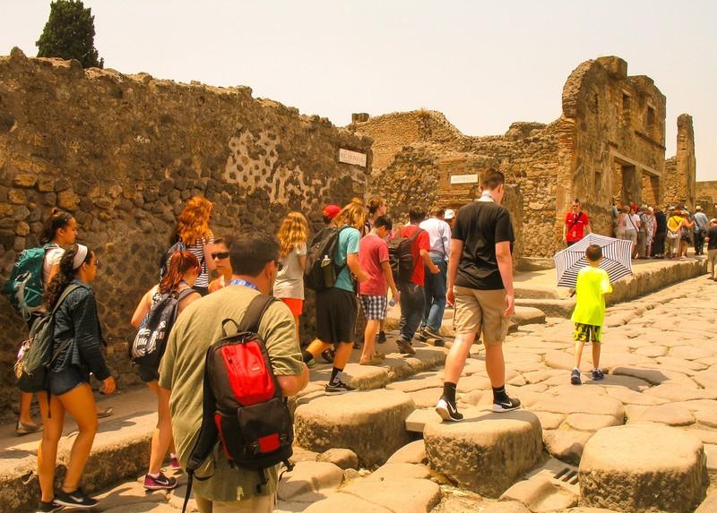 large_ItalyEF_PompeiiStreets.JPG