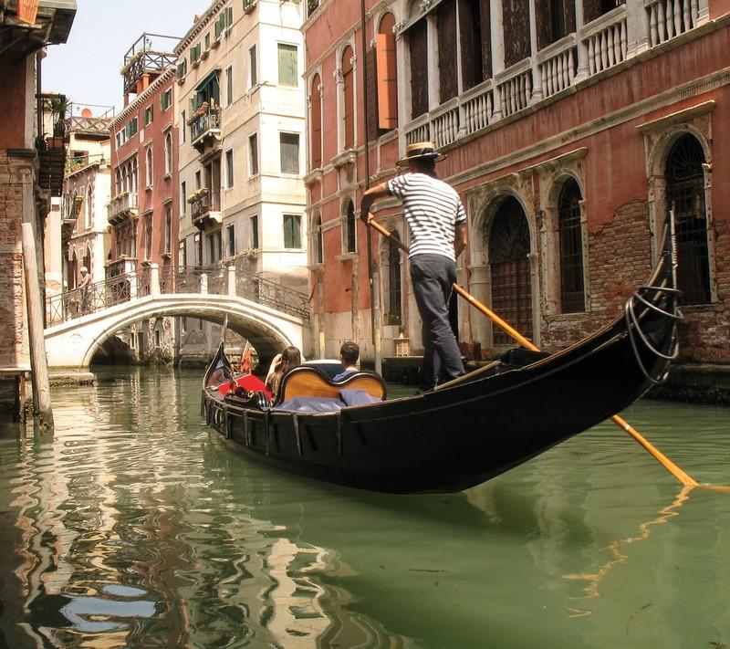 large_ItalyEF_VeniceGondola.JPG