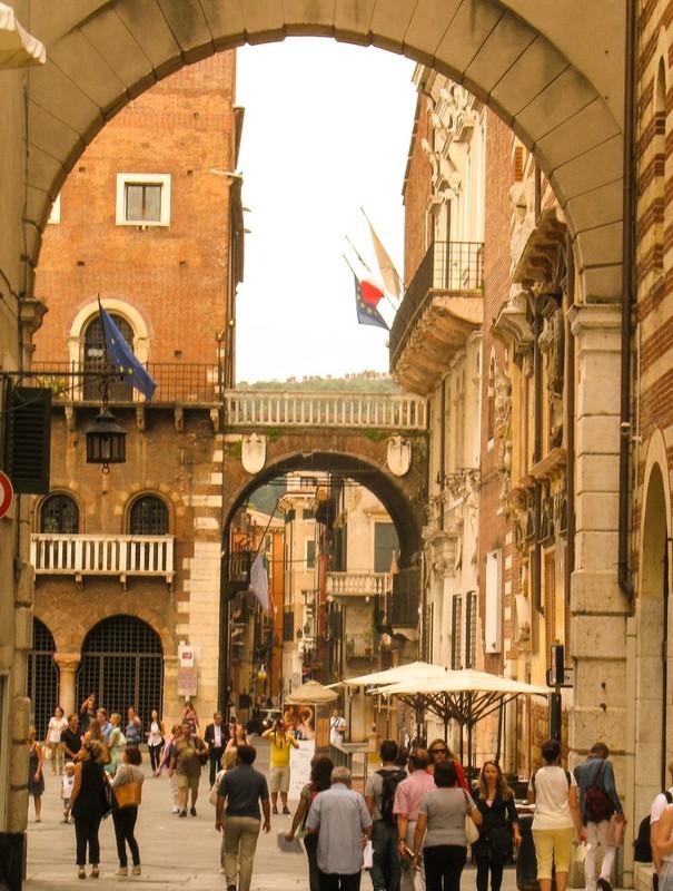large_ItalyEF_VeronaGate.JPG