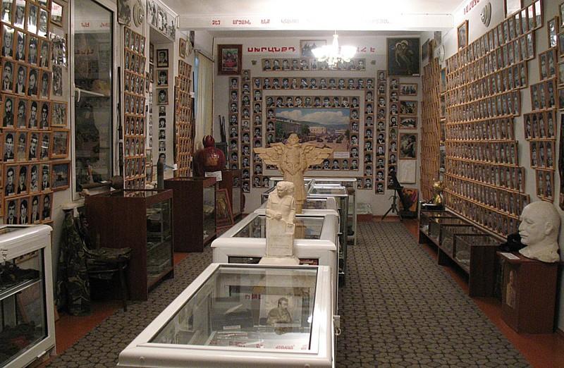 large_KarabakhWarMuseum.JPG