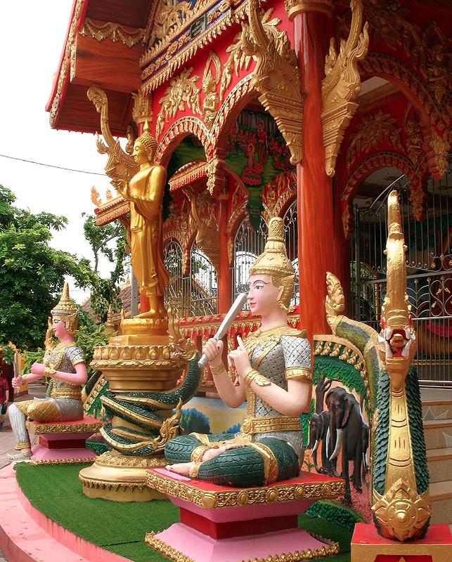 large_Laos_VientianeColorfulTemple.jpg