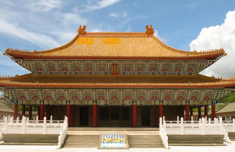 large_LotusLakeConfucius.JPG