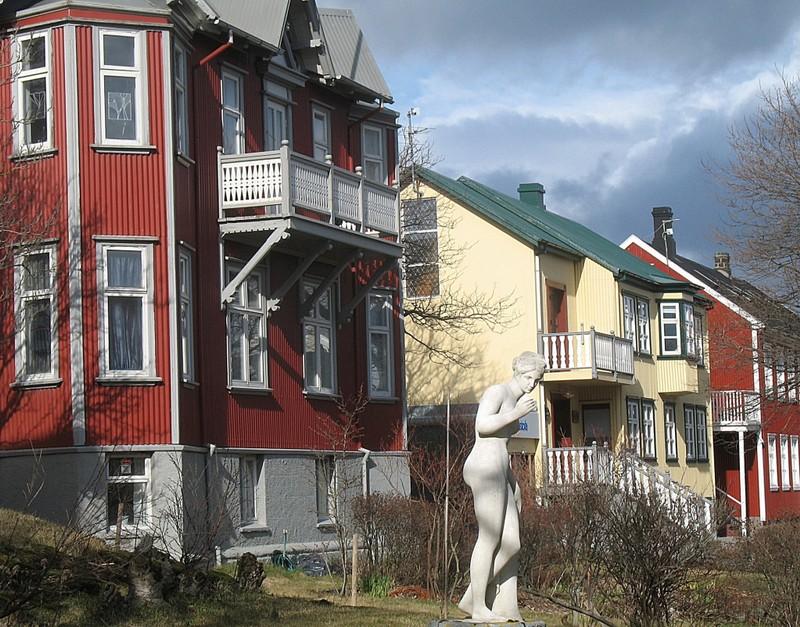 large_ReykjavikHouses.JPG