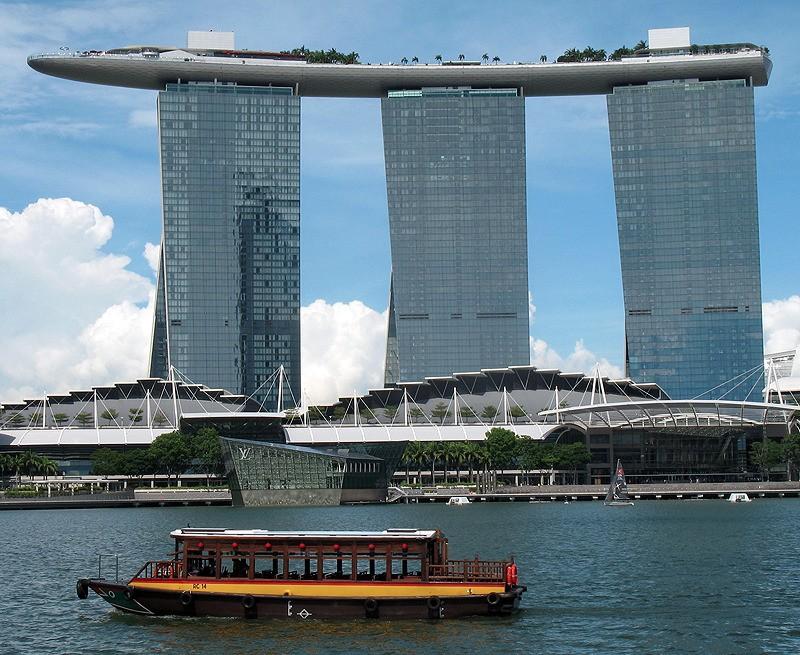 large_Singapore_MarinaBayHotel.jpg