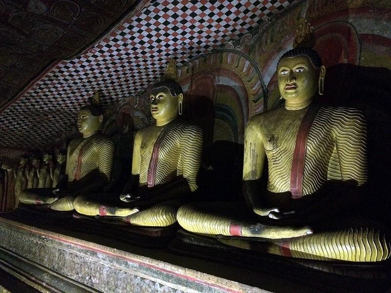 large_SriLanka_Caves3Buddhas.jpg