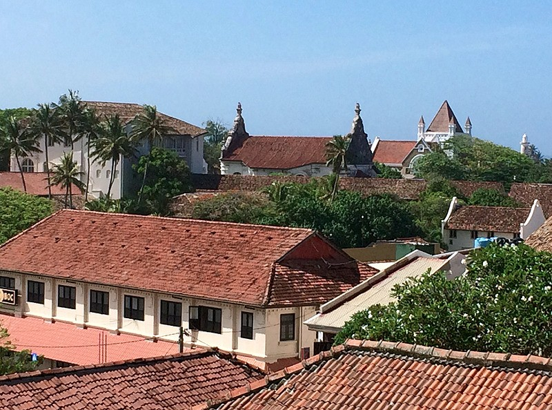 large_SriLanka_GalleRooftops.jpg