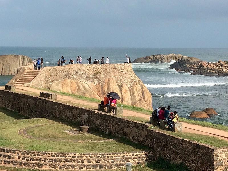 large_SriLanka_GalleWallWalk.jpg