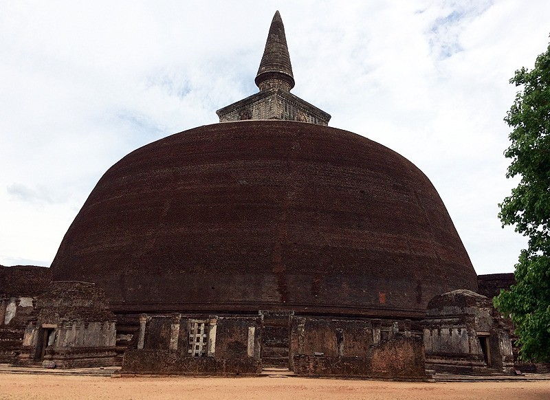 large_SriLanka_PolonnurawaStupa.jpg
