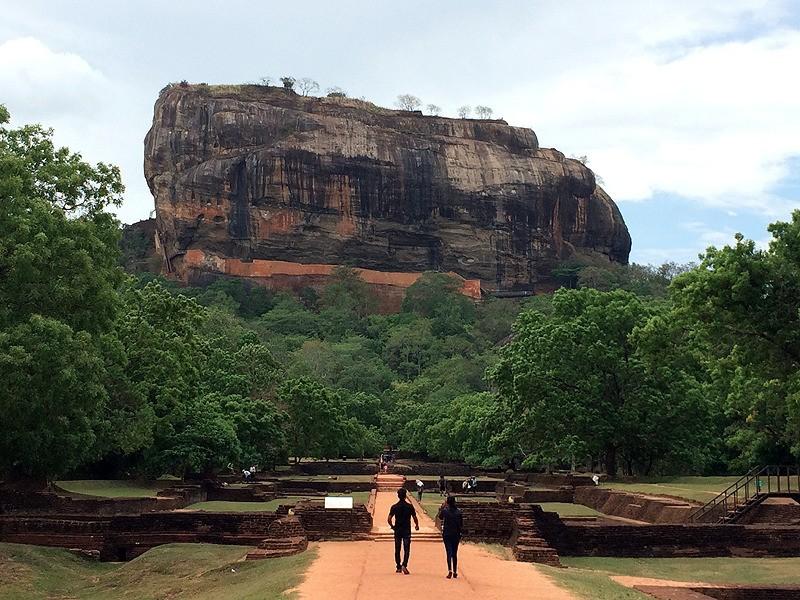 large_SriLanka_SigiriyaRock.jpg