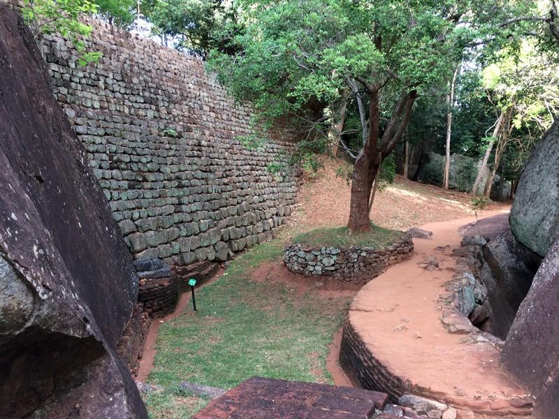large_SriLanka_SigiriyaWalls.jpg