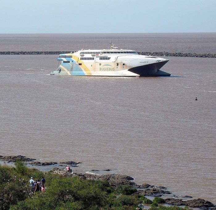 large_Uruguay_Ferry.jpg