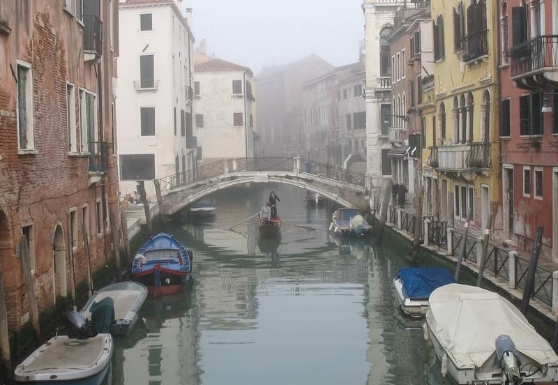 large_Venice_MistyGondola.JPG