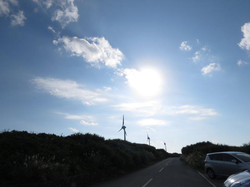 西平安名崎有三座代表性的風車。