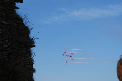 redarrows1.jpg