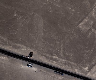 Nazca lines - Hands and Tree